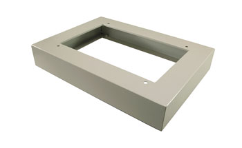 LANDE KIT SOCLE pour racks IP55, larg.600, prof.450, gris